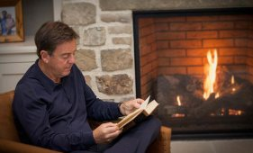 thumbnail image for Christmas Greetings from Alistair Begg